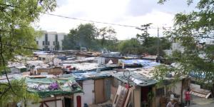 Le camp où Melissa est morte dans un incendie il y a quelques mois sous la menace d'une expulsion.