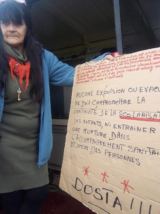 esmeralda en soutien aux roms à Saint-Etienne
